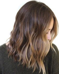 This is Best Balayage Hairstyles from Balayage rich brunette hair color.Gorgeous Balayage Hair Ideas from solft Brown to Caramel Tone ideas. Balayage Hair Ideas - Balayage Highlights and Hair Colors to Try Brown Hair Balayage, Hair Color Balayage, Balayage Hair Brunette Medium, Sunkissed Hair Brunette, Blonde Ombre, Medium Length Ombre Hair, Partial Balayage Brunettes, Shoulder Length Hair Balayage, Hair Colors