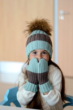 Childrens knit hat with fur pompom in mint and grey
