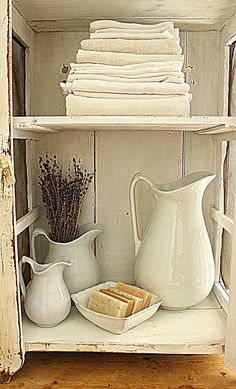 Rustic Farmhouse accessories for a modern country home. If you like this, why not head on over to http://www.TheHomeDesignSchool.com/signup for more modern country design inspiration, plus get FREE access to our home design resource library.