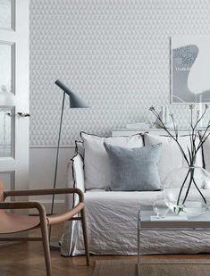 En av våre store favoritter fra Arne Jacobsen. Dette var i utgangspunktet et tekstildesign, men Trapez gjør seg vel så bra som tapet i stue. Scandinavian Design, Nordic Design
