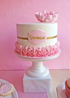 Girly Birthday Cakes, Beautiful Birthday Cakes, Pretty Cakes, Cute Cakes, Bolo Paris, Cake Icing Tips, Baby Girl Cakes, Cake Decorating Techniques, Halloween Cakes