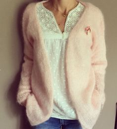 Mohair sweater - free pattern (Ravelry: Gilet Eulalie pattern by CJuju) Gilet Mohair, Pull Mohair, Mohair Sweater, Knitting Patterns Free, Knit Patterns, Free Pattern, Knitting Tutorials, Stitch Patterns, Look Fashion
