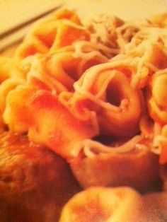 Easy crockpot recipes: Cheesy Sausage Tortellini Crockpot Recipe