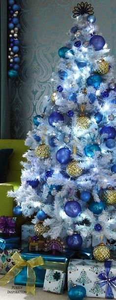 christmas tree ideas blue Christmas is Coming Blue Christmas Decor, White Christmas Trees, Beautiful Christmas Trees, Christmas Tree Themes, Noel Christmas, Holiday Tree, Christmas Colors, Xmas Decorations, Peacock Christmas Tree