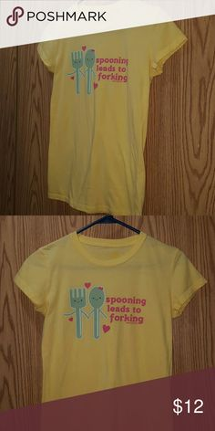 """""""Spooning Leads to Forking"""" Cute David & Goliath Yellow Tee Size Medium 5 David & Goliath  Tops Tees - Short Sleeve"""