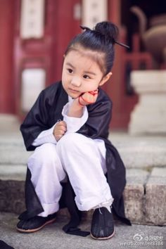 Little philosopher. These 3 Little Daoist Monks Are Adorably Cute http://www.visiontimes.com/2015/05/28/these-3-little-daoist-monks-are-adorably-cute-photos.html