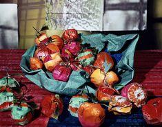 "Fotograaf: Daniel Gordon - Back to Still Lifes, Portraits & Parts, 2010-2011- Clementines  30"" x 40"", C-Print, 2011"