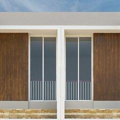 "Conwood Decorative Deck 4"" dapat diaplikasikan pada dinding luar rumah Anda untuk memberikan tampilan kayu yang elegan.  Fast respon  Wa/sms/tlp : 0812.9405.4171  #BetterChoices #conwoodDecorativeDeck4"" #aplikatorGresik #aplikatorSurabaya #aplikatorMalang #aplikatorLamongan #aplikatorTuban"