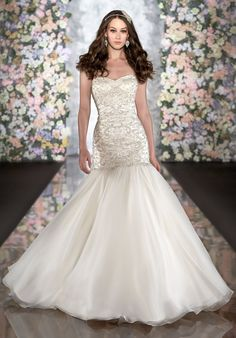 Ball Gown Sweetheart Court Train Organza Ivory Wedding Dress -oh my god, this is gorgeous! Want to have a wedding dress like this one day. Dresses 2013, Wedding Dresses Photos, Dream Wedding Dresses, Designer Wedding Dresses, Bridal Dresses, Wedding Gowns, Ivory Wedding, Wedding Blog, Chapel Wedding