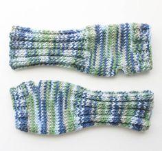 Gina Michele: Fingerless Gloves [FREE knitting pattern]