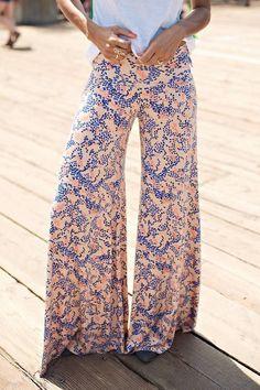 Não sou muito de estampas assim...acho até que fico fora da moda, mas amo pantalonas!