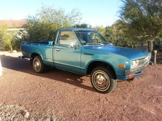 1978 Datsun 620 Pick up - Like the blue color