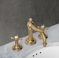 RH's Vintage Lever-Handle Widespread Faucet:Baronial in stature, our Vintage collection celebrates form as well as function. Bar Faucets, Bathroom Faucets, Concrete Bathroom, Eclectic Bathroom, Bathroom Styling, Bathroom Pictures, Bathroom Ideas, Elegant Curtains, Storage Mirror