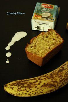 Ça faisait longtemps que je n'avais pas fait de gâteau pour mes collègues alors j'ai fait ce petit banana bread pour leur plus grand plaisir. Ingrédients : - 3 bananes bien mûres - 3 œufs - 180 g de farine - 1 sachet de levure chimique - 30 g de beurre...