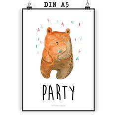 Poster DIN A5 Party - Bär aus Papier 160 Gramm  weiß - Das Original von Mr. & Mrs. Panda.  Jedes wunderschöne Poster aus dem Hause Mr. & Mrs. Panda ist mit Liebe handgezeichnet und entworfen. Wir liefern es sicher und schnell im Format DIN A5 zu dir nach Hause. Die Größe ist 148 x 210 mm.    Über unser Motiv Party - Bär  Unser süßer Bär ist schon richtig in Stimmung - Konfetti & Drinks!     Verwendete Materialien  Es handelt sich um sehr hochwertiges und edles Papier in der Stärke 160 Gramm…