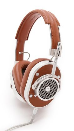 Master & Dynamic MH40 headphones.