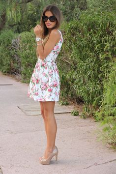Vestido / Dress: Coosy   Tacones / Heels: Shoesworld