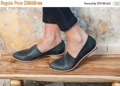 Textured Leather Shoes / Flat Black Leather Shoes / Women