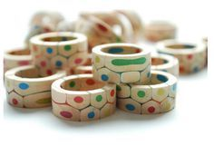 Rings made from slices of colored pencils! Finally something that combines my love of art supplies and accessories! <3