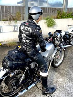 Greaser, Biker Chic, Asap Rocky, Royal Enfield, Cafe Racers, My Ride, Rockers, Traditional Dresses, Motorbikes