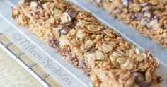 These homemade Chocolate Chip Granola Bars are a delicious lunchbox or afternoon treat. They're a cinch to make and better than storebought granola bars! Healthy Treats, Yummy Treats, Yummy Food, Healthy Food, Granola Breakfast, Chocolate Chip Granola Bars, Chocolate Chips, Snack Recipes, Cooking Recipes