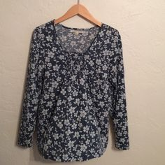 Floral Long sleeve Top Blue long sleeve with light blue flowers. Super soft. Light wear. Carolyn Taylor Tops Tees - Long Sleeve