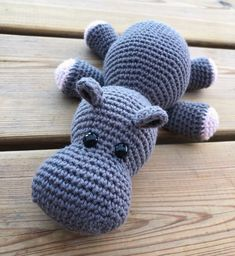 Mesmerizing Crochet an Amigurumi Rabbit Ideas. Lovely Crochet an Amigurumi Rabbit Ideas. Cute Crochet, Crochet For Kids, Crochet Toys, Crochet Yarn, Animal Knitting Patterns, Crochet Dolls Free Patterns, Giraffe Crochet, Crochet Animals, Diy Knitting Projects