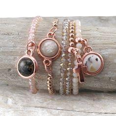 Mooie armbanden met nieuwe Polaris cabochons #marble #charm #rosegold