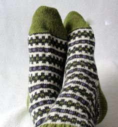 Ravelry: Runway Socks pattern by Martha McKeon Circular Knitting Needles, Loom Knitting, Knitting Socks, Knit Socks, Knitting Machine, Easy Knitting Patterns, Knitting Tutorials, Knitting Charts, Knitting Ideas
