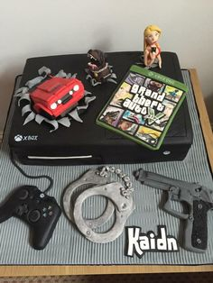 Grand Theft Auto / Gta / Xbox Cake For a GTA fan - all edible fondant figures