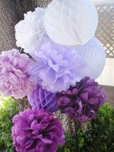 Purple ombre tissue pom poms honeycomb balls by DellaCartaDecor