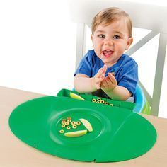 "TinyDiner is perfect for safe & clean eating at home or on-the-go.  The BPA-free portable placemat has a patented ""scoop"" to catch food as it falls, an outer rim to help contain wet spills, and a center circle which can hold food or be used to place most toddler bowls.  When not in use, TinyDiner can be rolled and tucked into itself for convenient storage.<br><br>Summer Infant, an award winning industry leader in developing infant and toddler products offers families safe and innovative…"