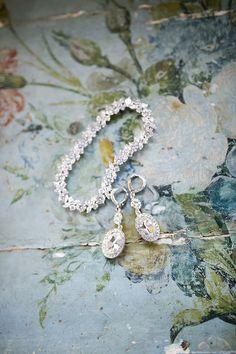 Bridal accessories  http://www.100layercake.com/blog/2015/07/24/historic-oklahoma-mansion-wedding-kirbie-justin/