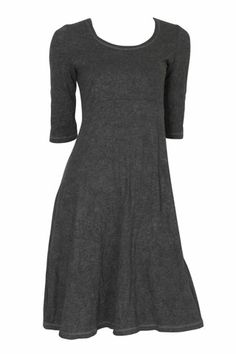 Perfect dress for pear shape bods...plus it hides my arms (which are a work in progress...always!)