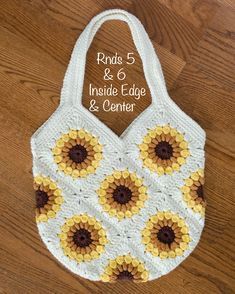 Gorgeous, fast and easy crochet sunflower bag! Crochet Cat Pattern, Crochet Purse Patterns, Bag Pattern Free, Cute Crochet, Crochet Crafts, Easy Crochet, Crochet Projects, Knit Crochet, Doilies Crochet