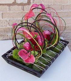 Cool modern arrangement with anthurium and calla lilies Ikebana Flower Arrangement, Ikebana Arrangements, Flower Arrangements, Deco Floral, Arte Floral, Floral Design, Flower Crafts, Flower Art, Modern Floral Arrangements