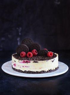 Oreos fehércsokis túrótorta recept málnával – Famous Last Words Just Cakes, Cakes And More, Cookie Recipes, Dessert Recipes, Cheesecake, 4th Of July Desserts, Oreos, No Bake Treats, Cake Designs