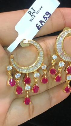 Gold Earrings Models, Gold Bridal Earrings, Jewelry Design Earrings, Gold Earrings Designs, Gold Jewellery Design, Rhinestone Necklace, Bridal Jewelry, Beaded Jewelry, Indian Jewelry Sets