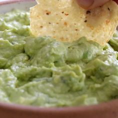 Creamy Avocado Dip that comes together with less than five ingredients in two minutes flat! This is the BEST easy, healthy snack Also a great spread for tacos The post 2 Minute Creamy Avocado Dip appeared first on Best Pins for Yours - Food and drink Mexican Food Recipes, Vegetarian Recipes, Healthy Recipes, Healthy Food, Raw Food, Healthy Sauces, Healthy Breakfasts, Eating Healthy, Healthy Meals