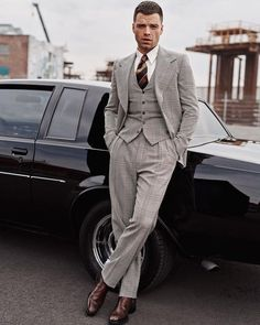 The Avengers' Sebastian Stan (aka Bucky Barnes) suits up for this new editorial for May 2018 issue of GQ magazine, pairing Chelsea boots with inspired suits. Marlon Teixeira, Sebastian Stan Photoshoot, Michael B. Jordan, Tom Ford Boots, The Fashionisto, Gucci Shirts, Herren Outfit, Three Piece Suit, Bucky Barnes