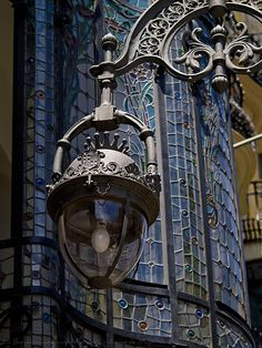 Barcelona Apartments: Rent the best stylish apartment in Barcelona Art Nouveau, Gaudi, Art And Architecture, Architecture Details, Sculpture Metal, Suspension Design, Lantern Lamp, Beautiful Streets, Street Lamp