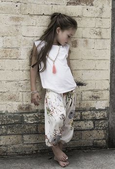 Little boho outfit Look Fashion, Kids Fashion, Fashion Games, Dress Fashion, Fashion Ideas, Fashion Outfits, Boho Chic, Boho Style, Look Girl