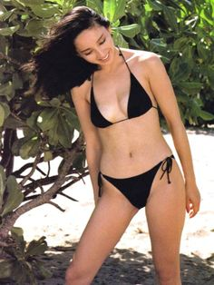 Pin Up Girls, The Twenties, Bikinis, Swimwear, Thong Bikini, Fashion, Bathing Suits, Moda, Swimsuits