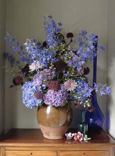 scarlet & violet Vintage Flower Arrangements, Vase Arrangements, Vintage Flowers, Centerpieces, Beautiful Flowers Garden, Pretty Flowers, Blue Flowers, Silk Flowers, Blue Delphinium