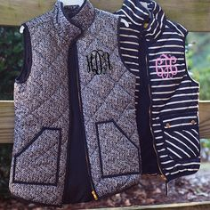 now: Monogrammed Printed Vests! Size small-same color monogram as pictured Preppy Mode, Preppy Style, My Style, Fall Winter Outfits, Autumn Winter Fashion, Look Fashion, Womens Fashion, Vogue, Swagg