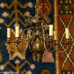 Vanha 6-haarainen barokkityylinen kattokruunu. Valettua messinkiä. Toimiva. Candle Sconces, Wall Lights, Candles, Lighting, Home Decor, Appliques, Decoration Home, Candle Wall Sconces, Light Fixtures