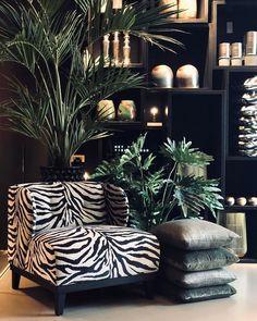Natural Home Decor Living Room Decor Cozy, My Living Room, Home And Living, Bedroom Decor, Zebra Room Decor, Design House Stockholm, Animal Print Decor, Dark Interiors, Home And Deco