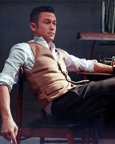 Joseph Gordon Levitt -Vest, Shirt and Tie