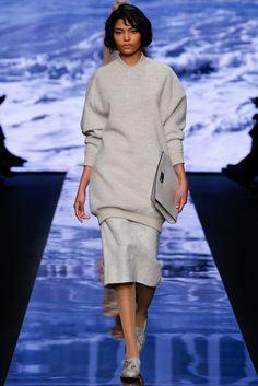 Max Mara Fall 2015 Ready-to-Wear Collection Photos - Vogue