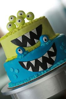 { monster bash } by K a friend of three pugs & a baby - http://www.threepugsandababy.com/2011/10/monster-bash.html#